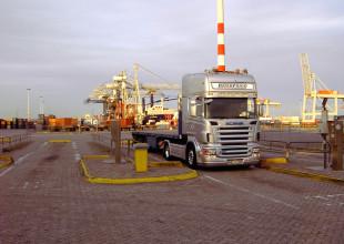 Direktverbindungen ab und zu den Seehafen